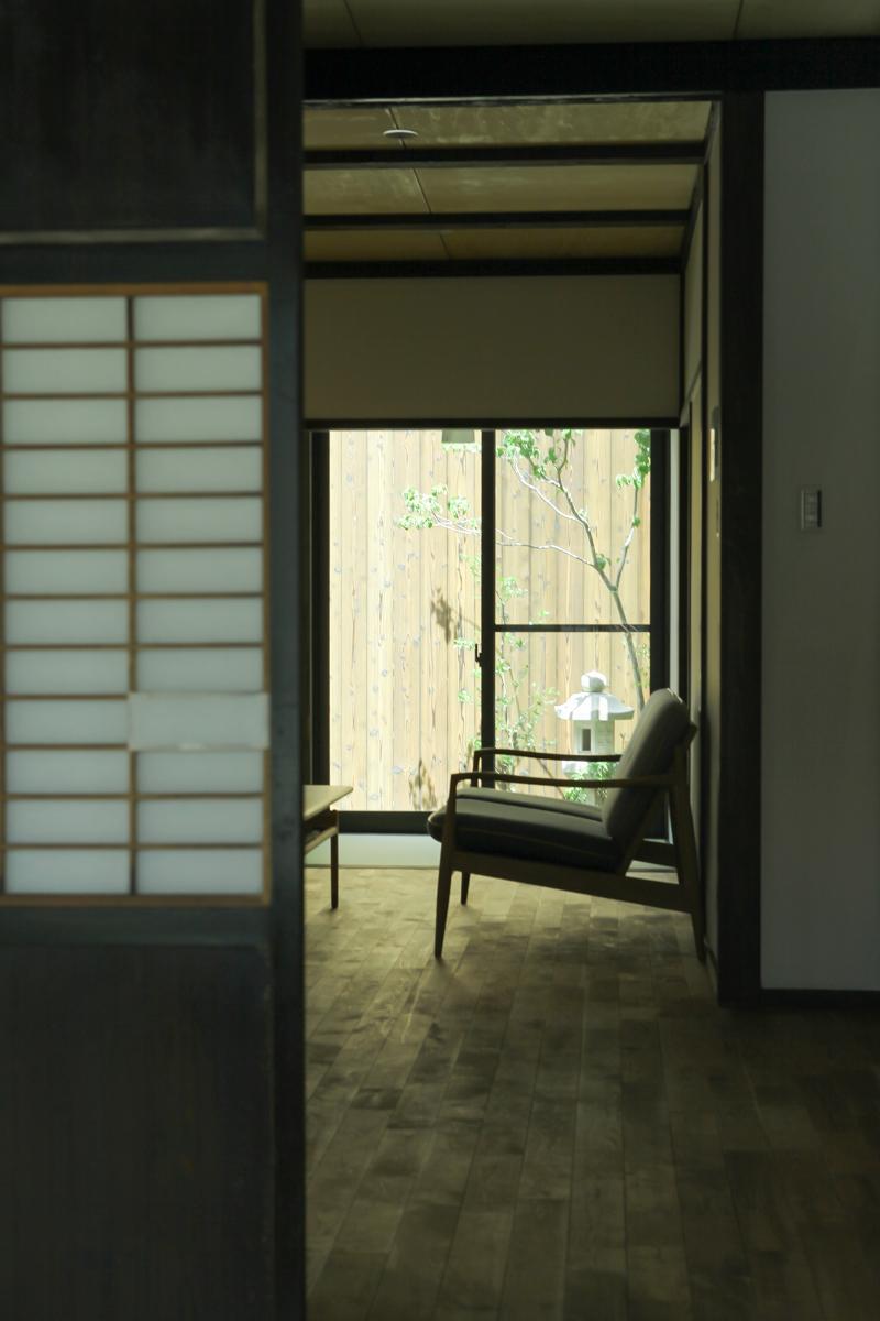 蘆山寺通の角町家