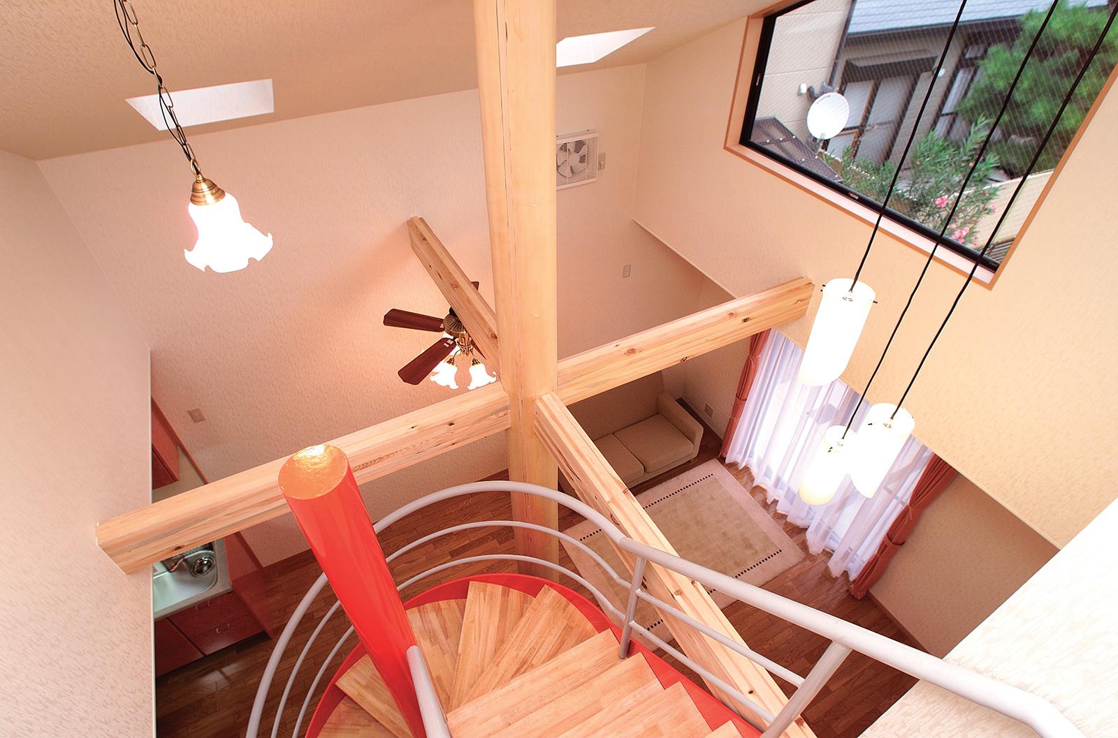 螺旋階段がある家
